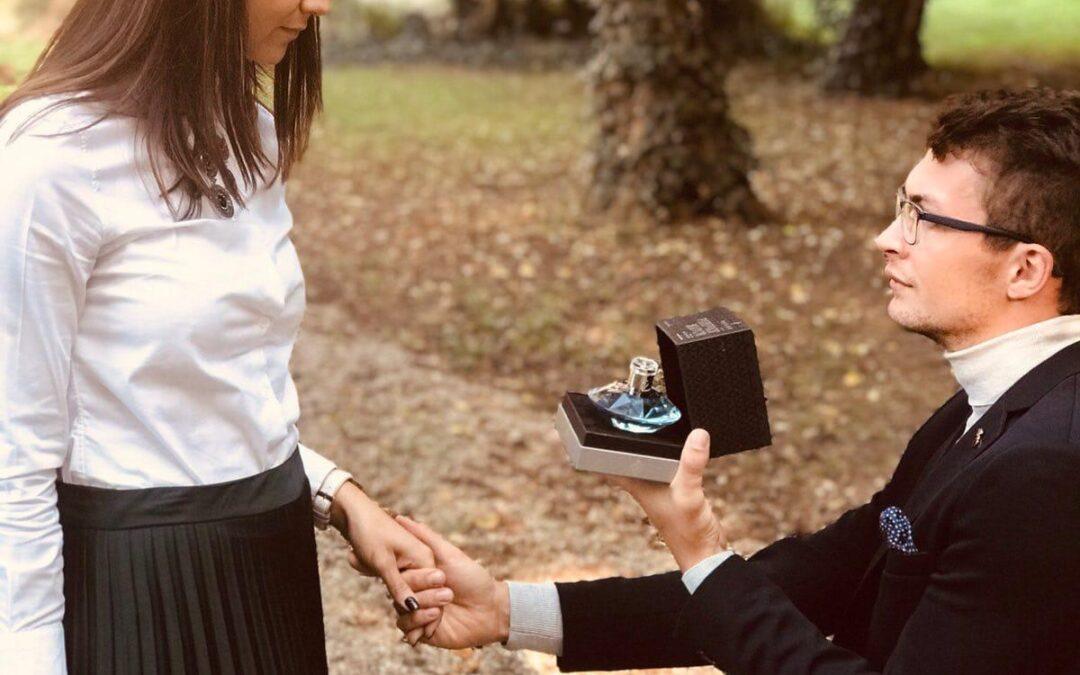 """Profumo con diamante: il primo regalo """"importante"""" per una giovane coppia!"""